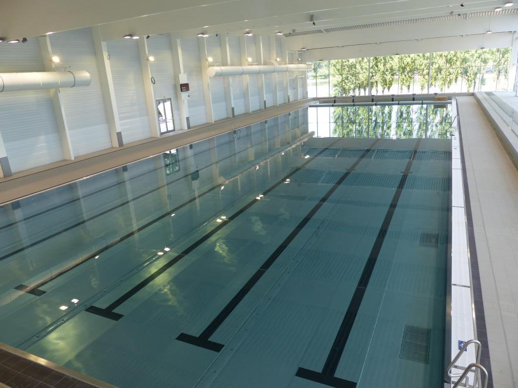 Nivelles la piscine avec l acc s le plus cher de la for Piscine universitaire