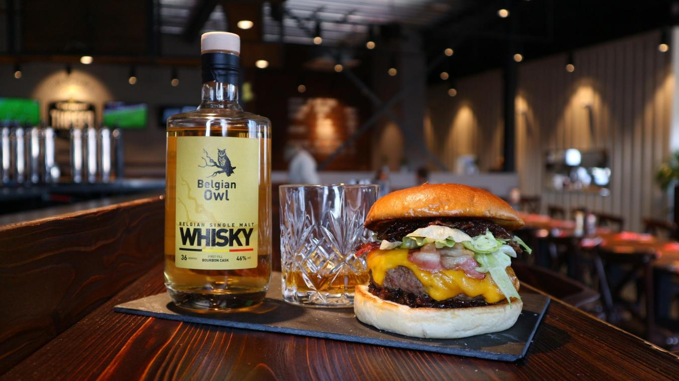 The Huggy's Bar: un burger d'exception au whisky Belgian Owl