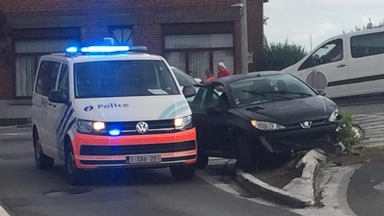 Une course-poursuite se termine par un accident au Boulevard Eisenhower à Tournai!