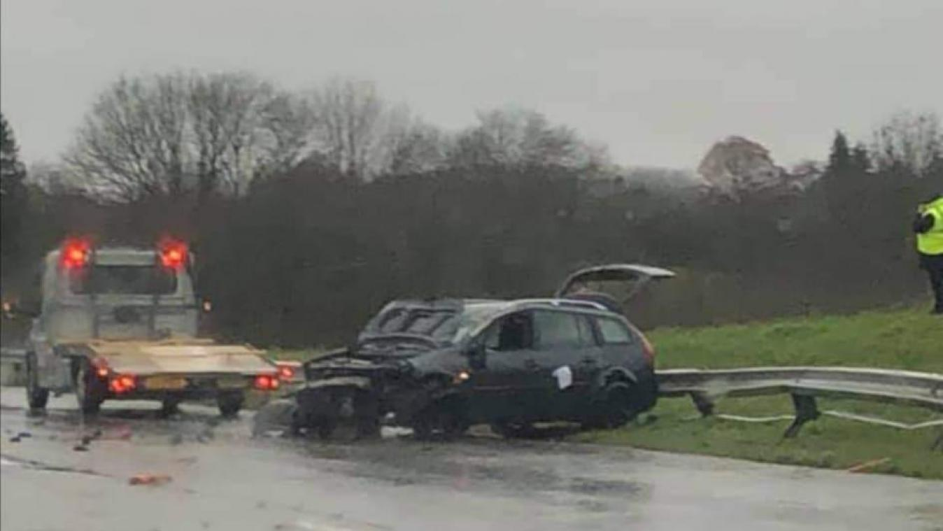 Arlon: un impressionnant accident sur la E411 engendre de longues files